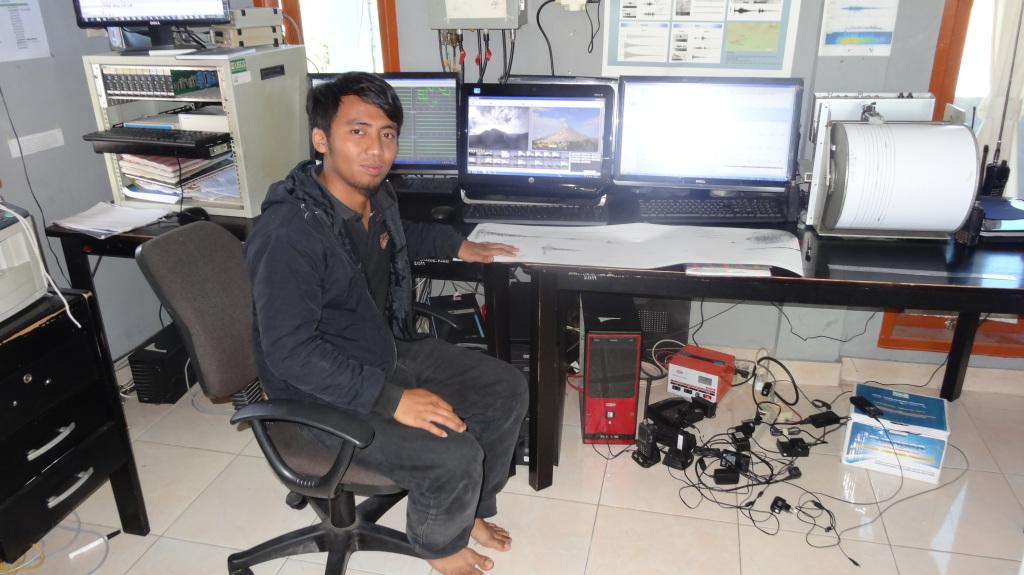 Arif Kamyo arbeitet im Zentrum für Vulkanologie in Berastagi.